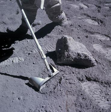070619_LG_moon-rocks_inline_3_370.jpg