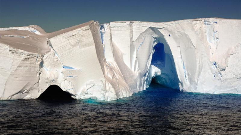 092419_cg_ipcc_inline-icecliffs_1030-800x450.jpg