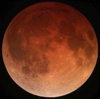 350_Lunar_eclipse_April_15_2014_California_Alfredo_Garcia_Jr1.png