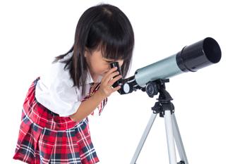 350_little_girl_telescope.png