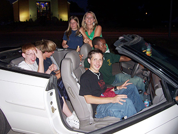 350_many_friends_one_car.png