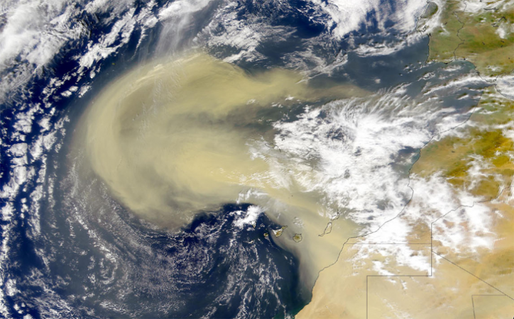 730_inline_2000_dust_storm_africa.png