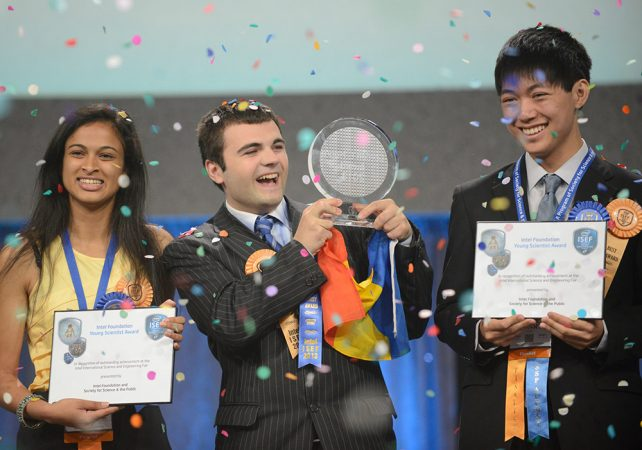 Eesha Khare (left), Ionut Budisteanu (center) and Henry Wanjune Lin (right) claimed the top three prizes at this year's Intel International Science and Engineering Fair in Phoenix, Arizona. Budisteanu's work toward developing a self-driving car earned the 19-year-old Romanian inventor the $75,000 top prize. Credit: Intel/Chris Ayers