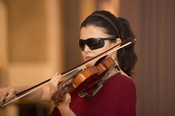 350_no-sight-violinist.png