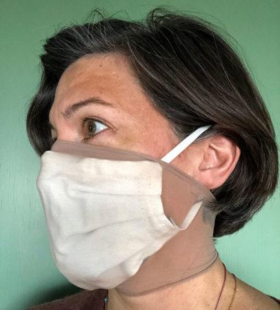 Loretta Fernandez wearing a mask